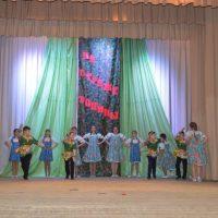 Kadety_-_uchastniki_tantsevalnoy_gruppy_Allegro